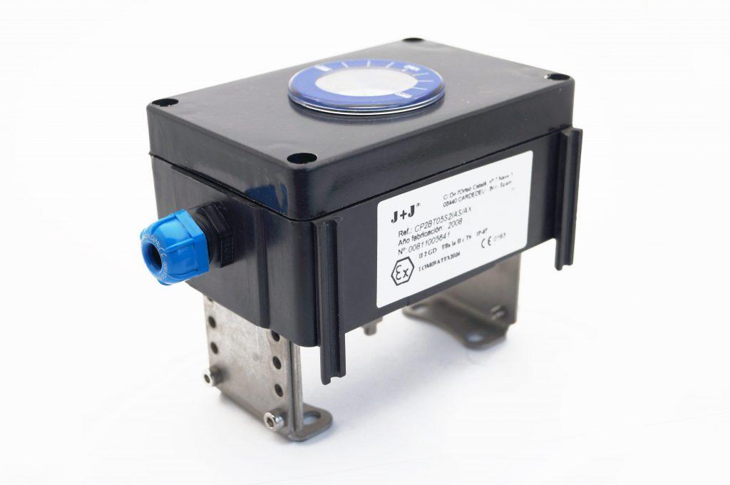 """J+J Pneumatic Actuators Pneumatic Actuators Signal Boxes Limit Switch Series CP """"sight glass"""" front"""