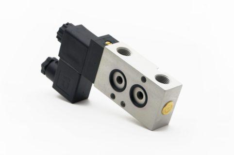 J+J Actuadores Pneumáticos Electroválvulas Estándar 3/2V posterior