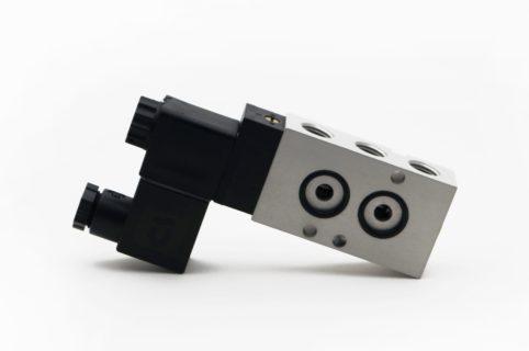 J+J Actuadores Pneumáticos Electroválvulas Estándar 5/2v lateral