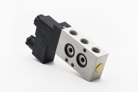 J+J Actuadores Pneumáticos Electroválvulas Estándar 5/2v posterior
